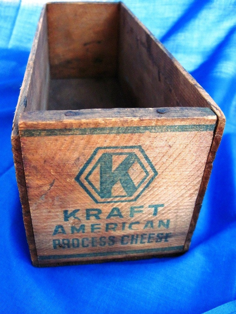 Vintage Wooden Kraft 5 Lb Cheese Box