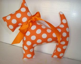 Scottie dog Tangerine ta dot