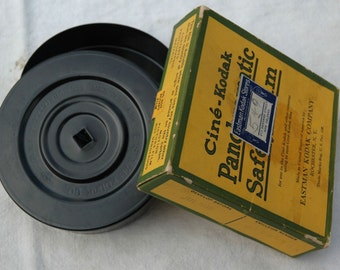 1939 Ciné-Kodak Panchromatic Safety Film box and  Metal Film Can / Advertising / Vintage