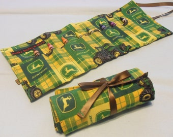 Green & Yellow John Deere Tractor Crayon Roll w/ 8ct Crayola Crayons