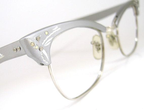 Vintage Womens Cat Eye Eyeglasses Silver Frame NOS Never Worn 12k GF