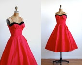 vintage 1950s dress // party red velvet full skirt XS