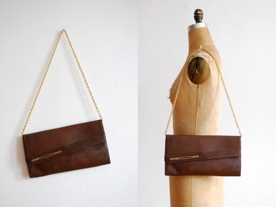vintage 1970s purse // italian leather envelope chain