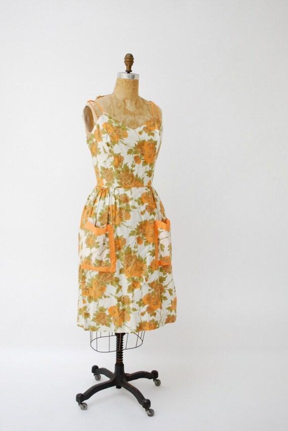 1950s dress. sundress. 50s dress. floral dress. medium