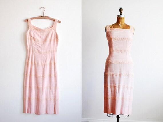 vintage 1950s dress. 50s dress. linen dress. wiggle. xs
