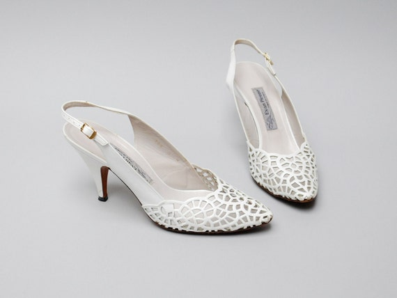 vintage slingback heels. white cutout leather. size 8