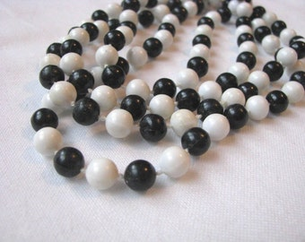Black and white vintage beaded necklace.  Vintage necklace