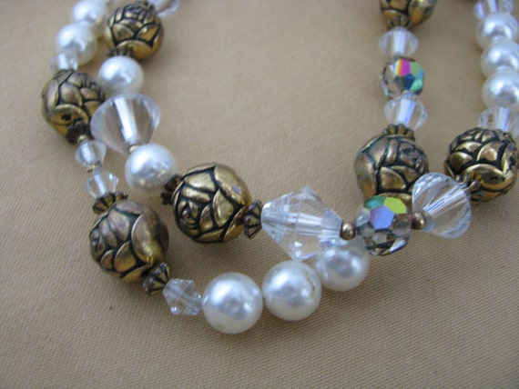 Glamorous faux pearl, ab crystal & gold tone flower bead vintage necklace