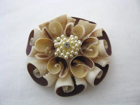 Vintage Seashell Flower Shaped Brooch Pin