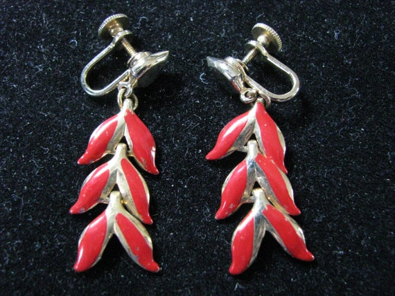 Dangly red and gold vintage screw back earrings