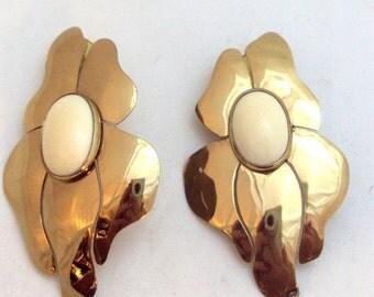 Huge Goldtone Fancy Earrings for the Diva 70's