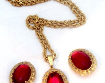 Faceted Red Rhinestone Pendant Necklace Earrings Miriam Haskell
