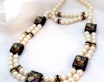 Vintage Faux Pearl, Painted Flower Wood Necklace