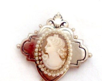 Left Facing Shell Cameo Pin by Coro - Vintage