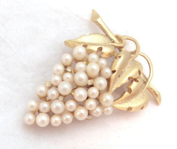 Vintage Grape Pin by Pell - Faux Pearls and Rhinestones