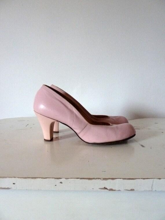 50s PINK bubblegum pinup heels .. 5.5 / 6