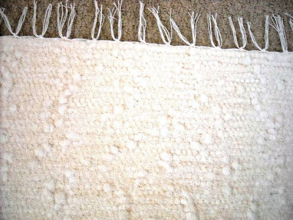 Sale..............MADE IN AMERICA Go Green New AmishHand Woven Natural Looper Terry Cloth Rag Rug 26x42