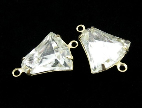 4 - 12x12mm Vintage Glass Bell Shaped Stones in 2 Rings Brass Prong Settings - Crystal .