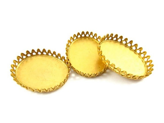 8 - Brass Crown Edge Oval Settings - 25x15mm