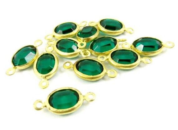 4 - Vintage Oval Swarovski Stone in 2 Rings Brass Channel Links - Emerald - 8x6mm .