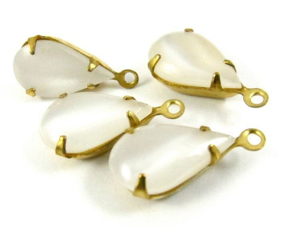 4 - Vintage Pear Shaped Stones in 1 Ring Closed Back Brass Prong Settings - Moonshine White - 13x8mm .