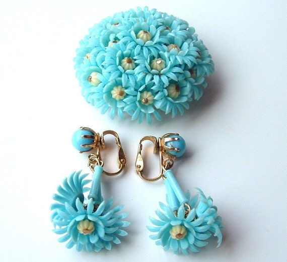 Aqua Blue Flower Brooch Earrings Vintage Jewelry Set Turquoise Sky Bouquet Plastic Pin Clip Earrings, Free Shipping USA