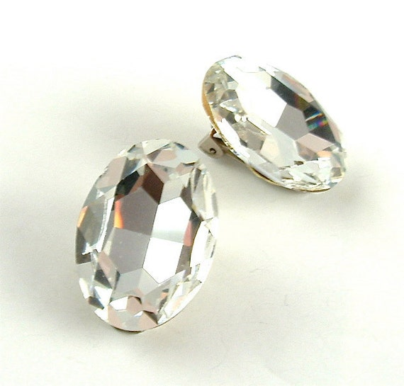 Vintage Rhinestone Earrings Large Faceted Sparkling Clear Glass Vintage Jewelry Earrings ((Free Shipping USA))