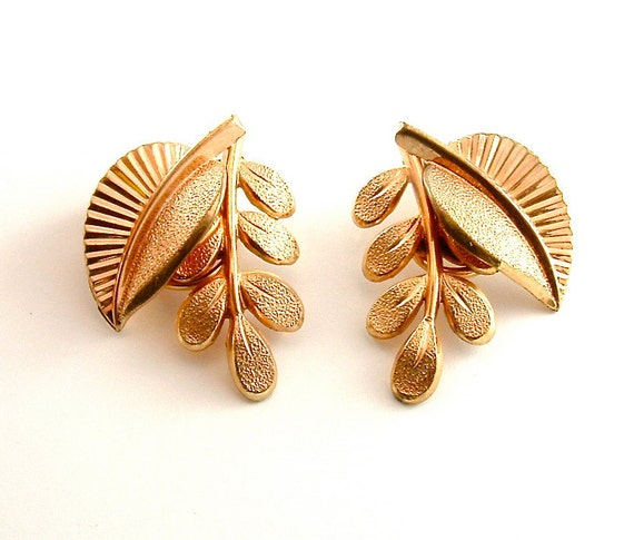 Botanical Earrings Vintage Copper Tone Jewelry Nature Two Leaves Clip On Earrings, Free Domestic Shipping
