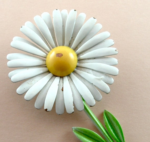 Enamel Flower Brooch Shabby Chic Daisy Floral Pin (Free Shipping USA)