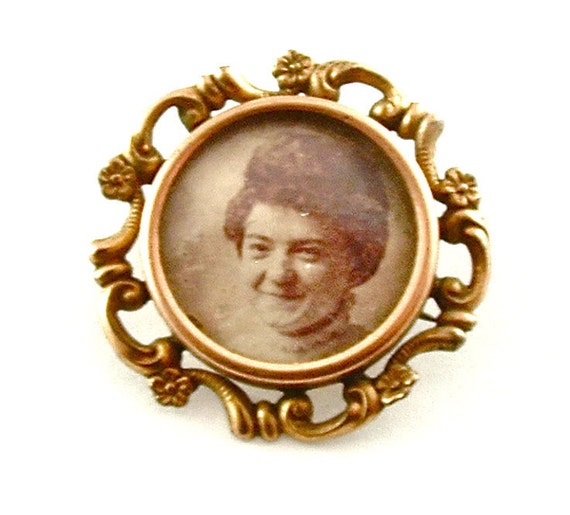 Antique Mourning Brooch Memory Photo Frame Victorian Vintage Pin