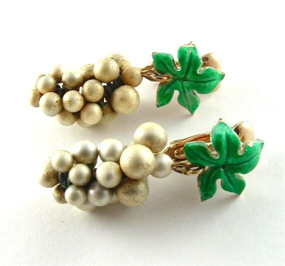 Vintage Earrings Beaded Grape Cluster Clip On Fruit Earrings Nature Inspired Jewelry
