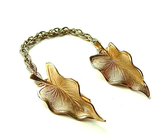 SALE Vintage Autumn Sweater Clip 50s Classic Prep Jewelry Golden Leaves Sweater Guard Fashion Accessories, Free US Shipping