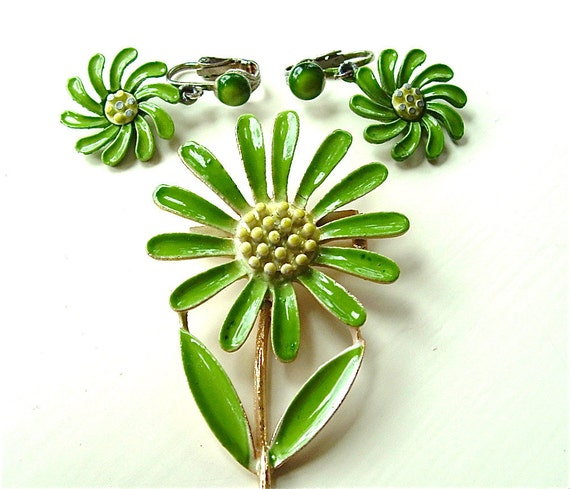 Vintage Jewelry Set Brooch Clip Dangle Earrings Chartreuse Green Enamel Flowers, FREE Domestic Shipping