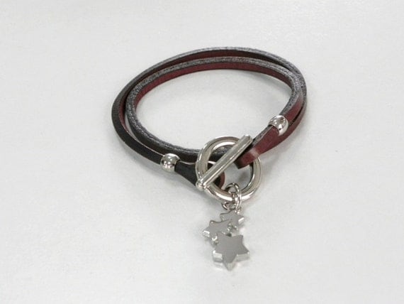 Leather Bracelet Brown Color with Silver Tone Metal Toggle Clasp and Stars Charm