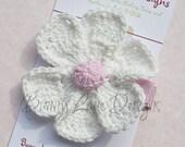 Crocheted White petal Flower Stay on Clip