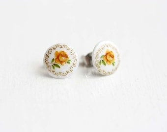 Sample Sale - Tiny Yellow Flower Studs