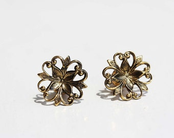 Gold Filigree Flower Circles