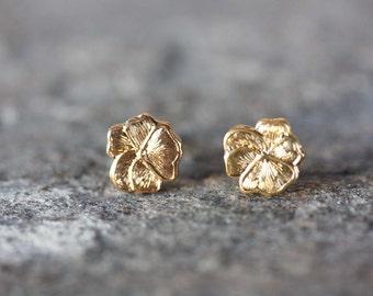 Tiny Gold Flower Studs