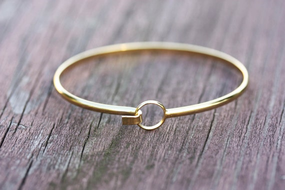 Gold Wire Bracelet - Circle Hook