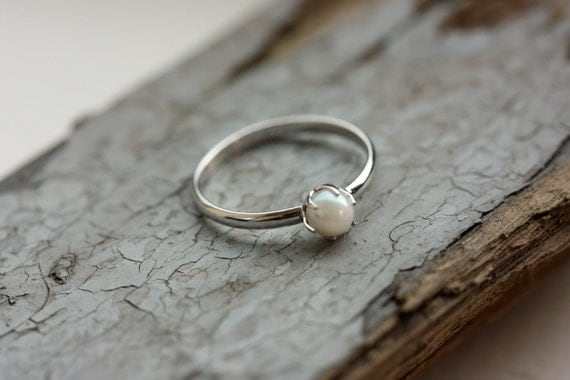 Small Silver Pearl Ring