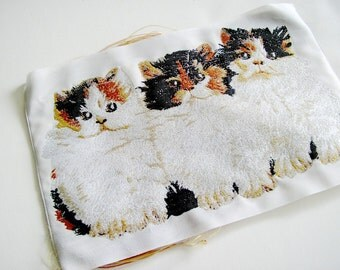 Wide Embroidered Three Kitten Ribbon
