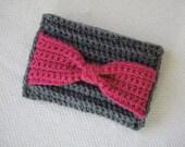 Crochet Clutch Pattern: Bow Clutch