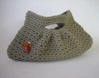 Crochet Purse Pattern: Pretty Little Pleats Bag