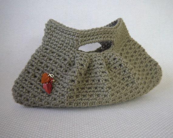 Crochet Purse Pattern: Pretty Little Pleats Bag
