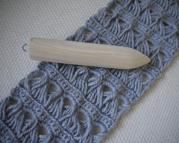Broomstick Lace Pin: a tool for easily making broomstick lace
