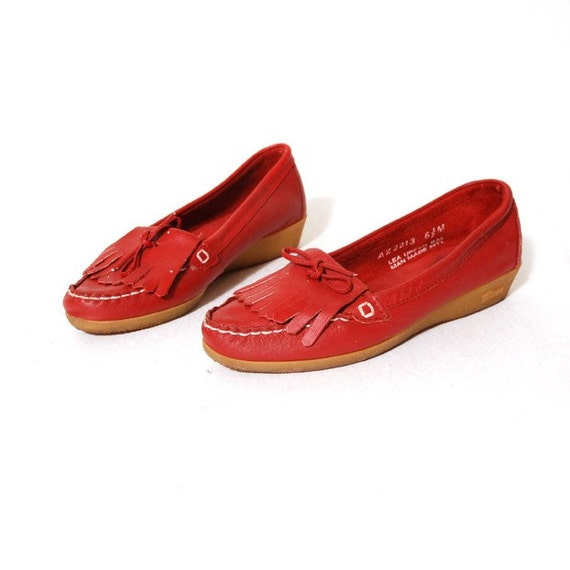 Bass Red Kilitie Loafers Size 6.5