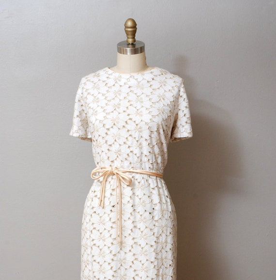 1950s Dress - White Eyelet Cut Out Floral Dress