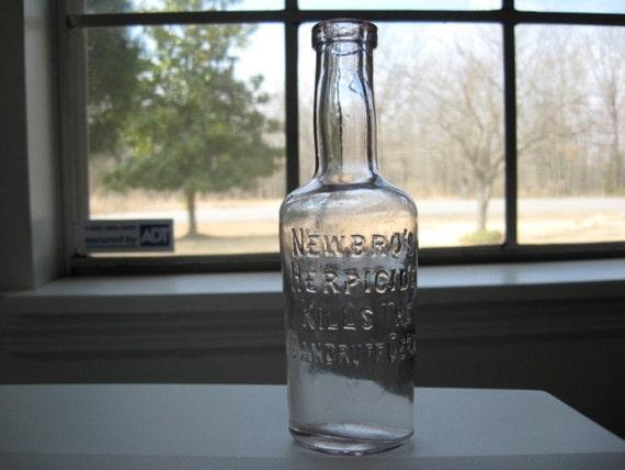 NEWBROS HERPICIDE KILLS THE DANDRUFF GERM Antique bottle