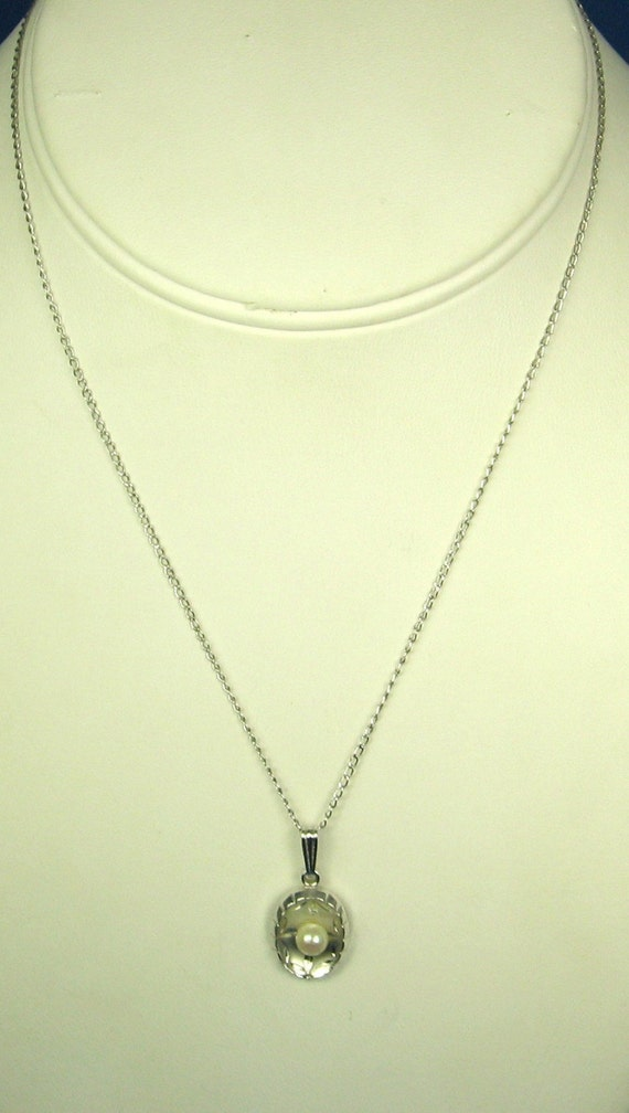 1970s Sterling Theda Cultured Pearl Pendant Necklace