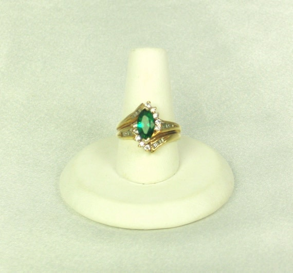 18kt Gold Electroplate Ring with Rhinestones and Emerald Glass